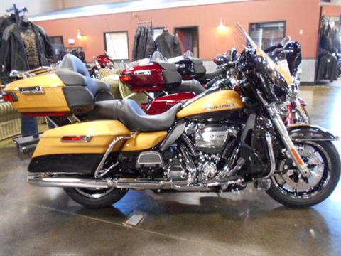 2017 Harley-Davidson Ultra Limited in Mauston, Wisconsin