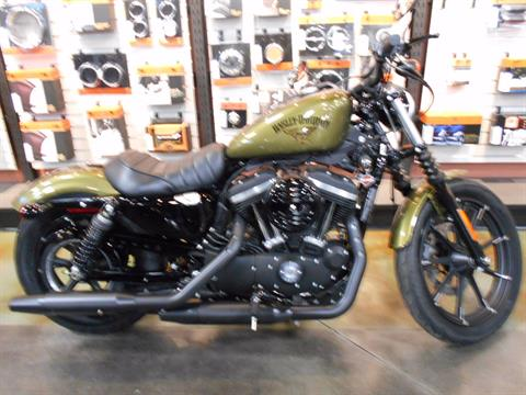 2016 Harley-Davidson Iron 883™ in Mauston, Wisconsin