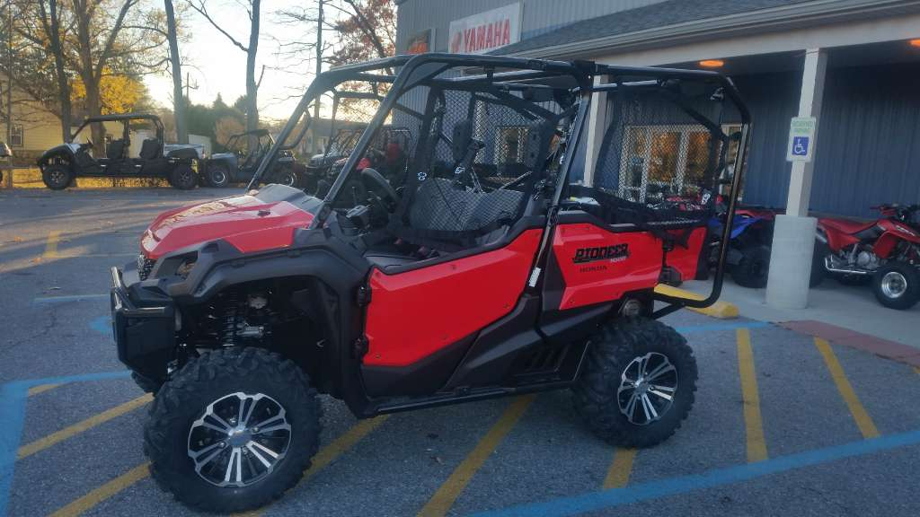 2016 Honda Pioneer 1000-5 Deluxe in Johnstown, Pennsylvania