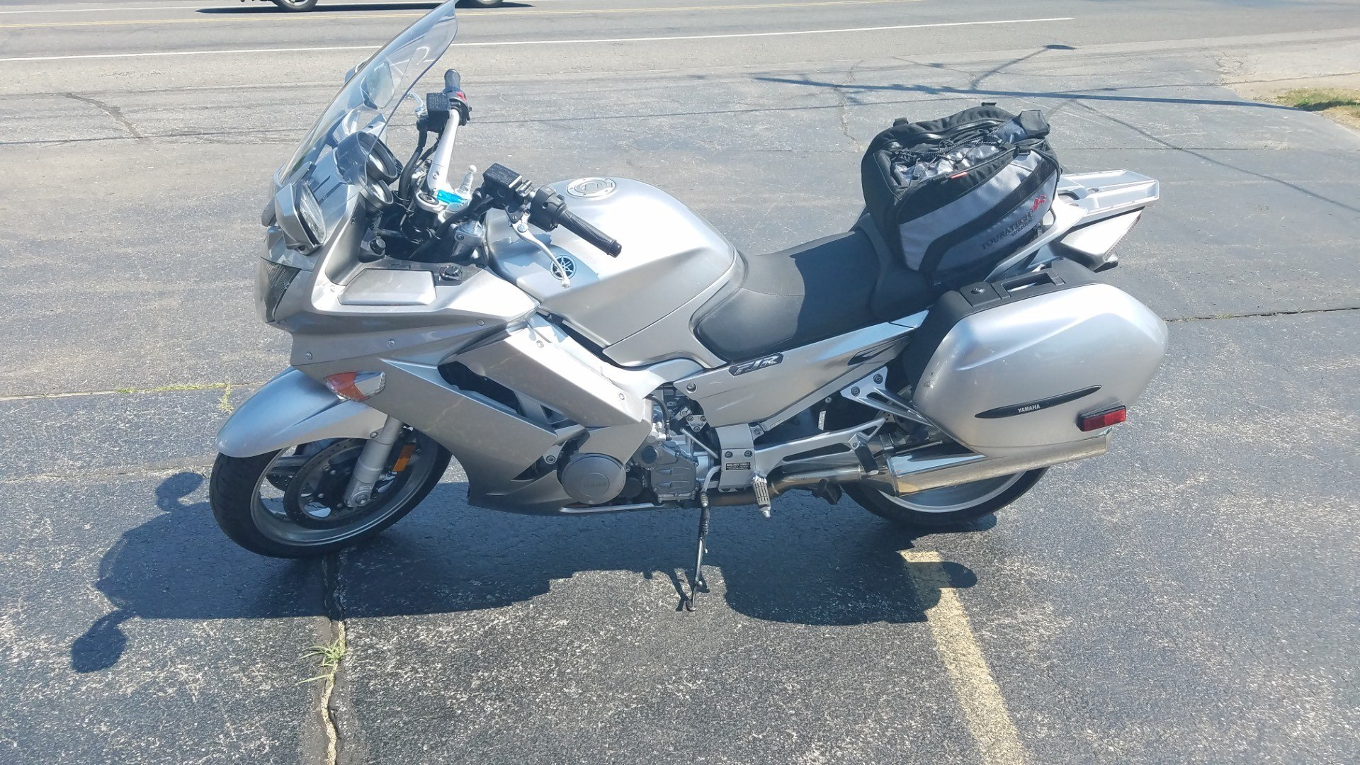 2011 Yamaha FJR1300A in Coloma, Michigan