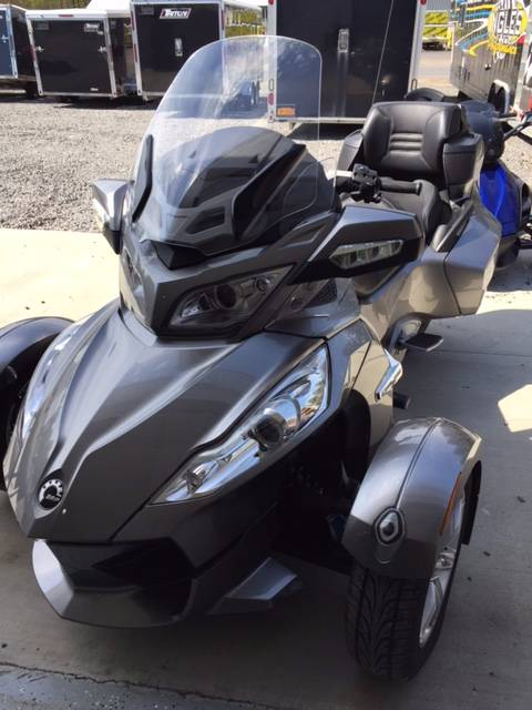 2012 Can-Am Spyder® RT Audio & Convenience SM5 in Phoenix, New York