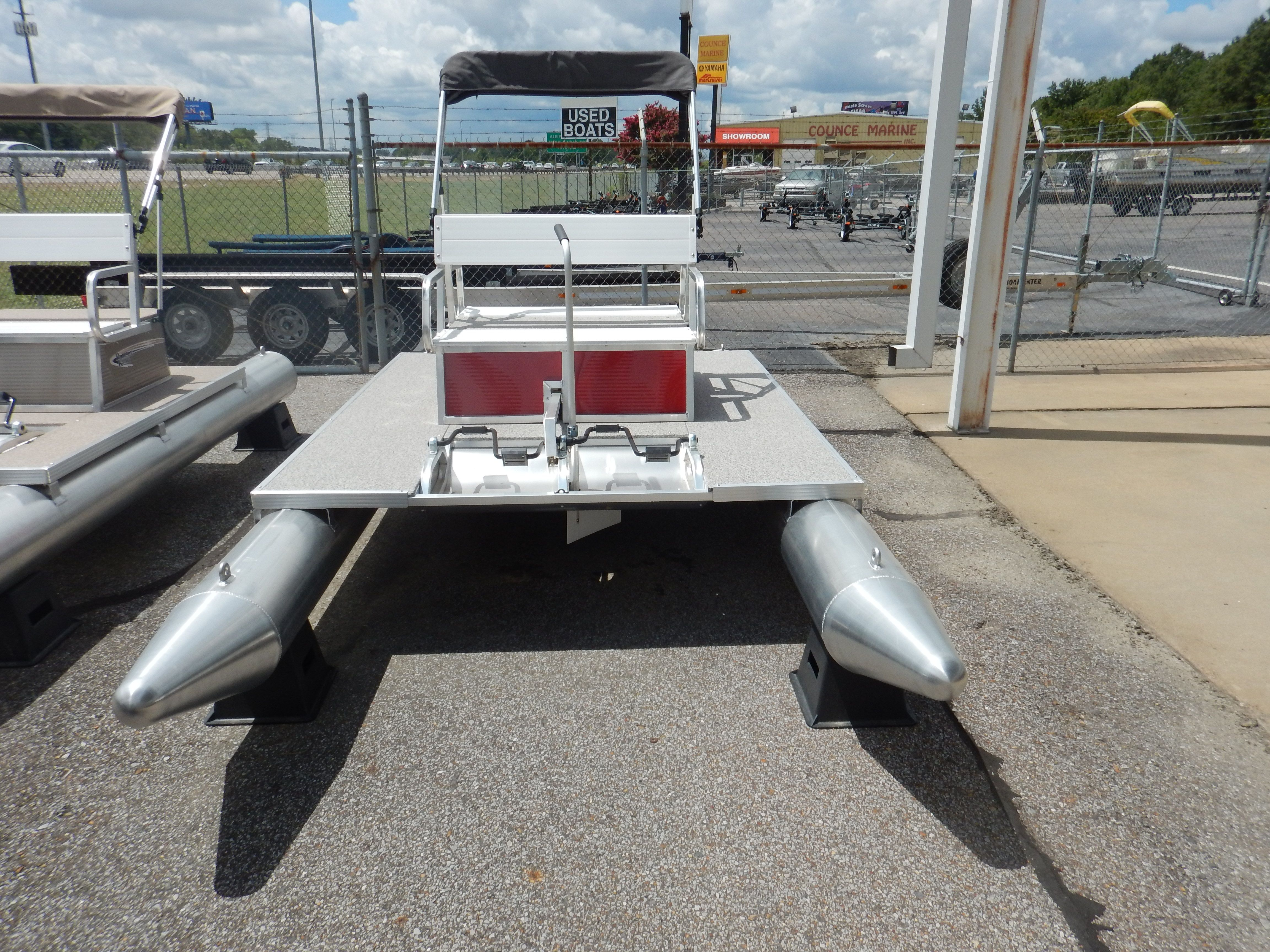 2017 Paddle King PK 4400 Pedal Boat in Memphis, Tennessee