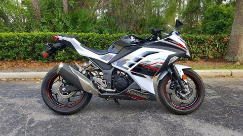 2014 Kawasaki Ninja® 300 SE in Daytona Beach, Florida