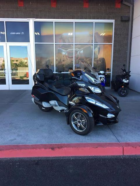 2010 Can-Am Spyder® RT-S SE5 in Las Vegas, Nevada