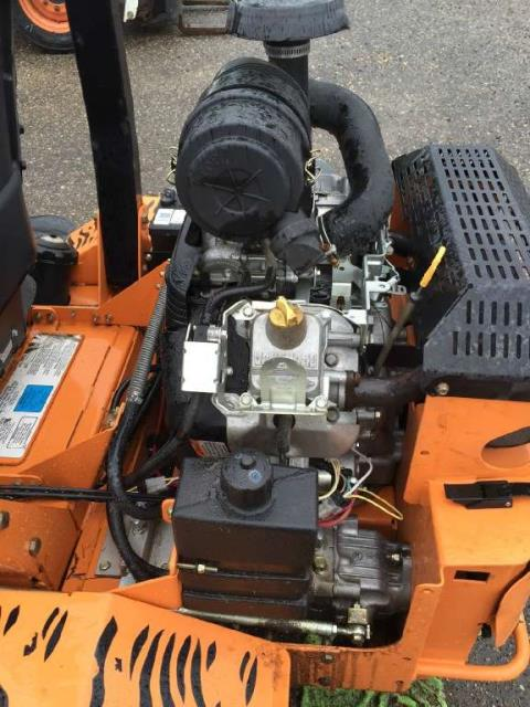 2005 SCAG Power Equipment Turf Tiger™  61 in. (STT61A-35BV-SS) in Red Wing, Minnesota