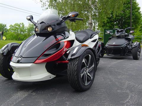 2015 Can-Am Spyder® RS-S SE5 in Middletown, New York