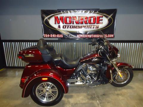2015 Harley-Davidson Tri Glide® Ultra in Monroe, Michigan