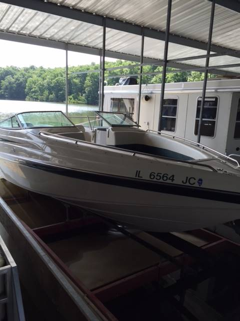 1998 Crownline 266 BR in Mountain Home, Arkansas
