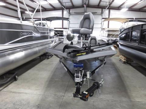 2017 Crestliner VT 18 in Saint Peters, Missouri