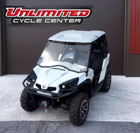 2015 Can-Am Commander™ Limited 1000 in Tyrone, Pennsylvania