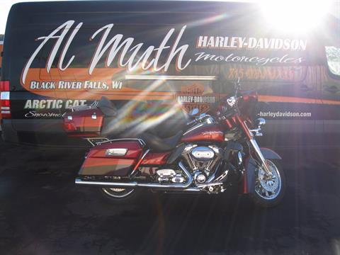 2009 Harley-Davidson CVO™ Ultra Classic® Electra Glide® in Black River Falls, Wisconsin
