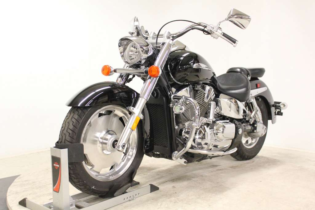 2007 Honda VTX™1300R in Pittsfield, Massachusetts
