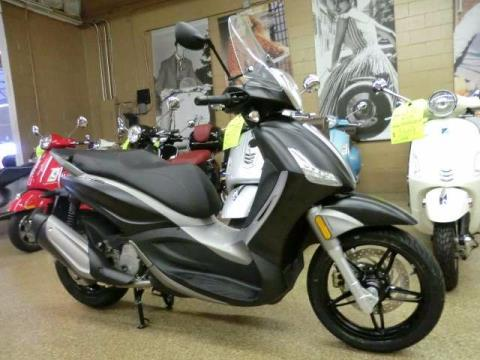 2016 Piaggio BV 350 i.e. ABS in Downers Grove, Illinois
