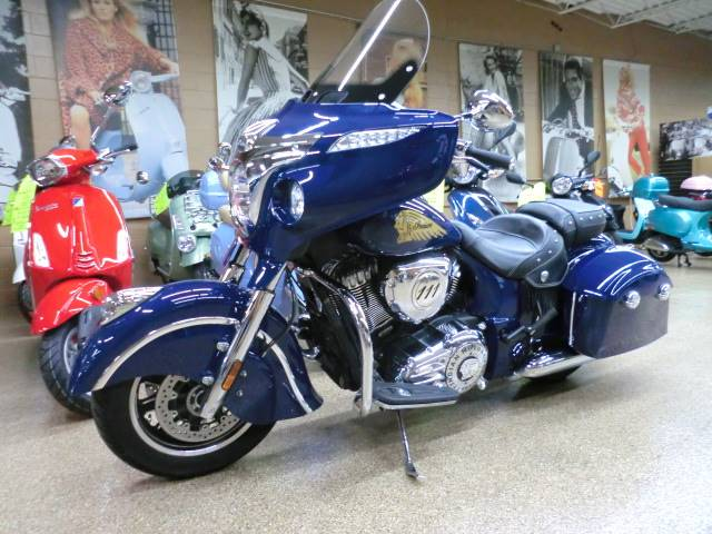 2014 Indian Chieftain™ in Downers Grove, Illinois