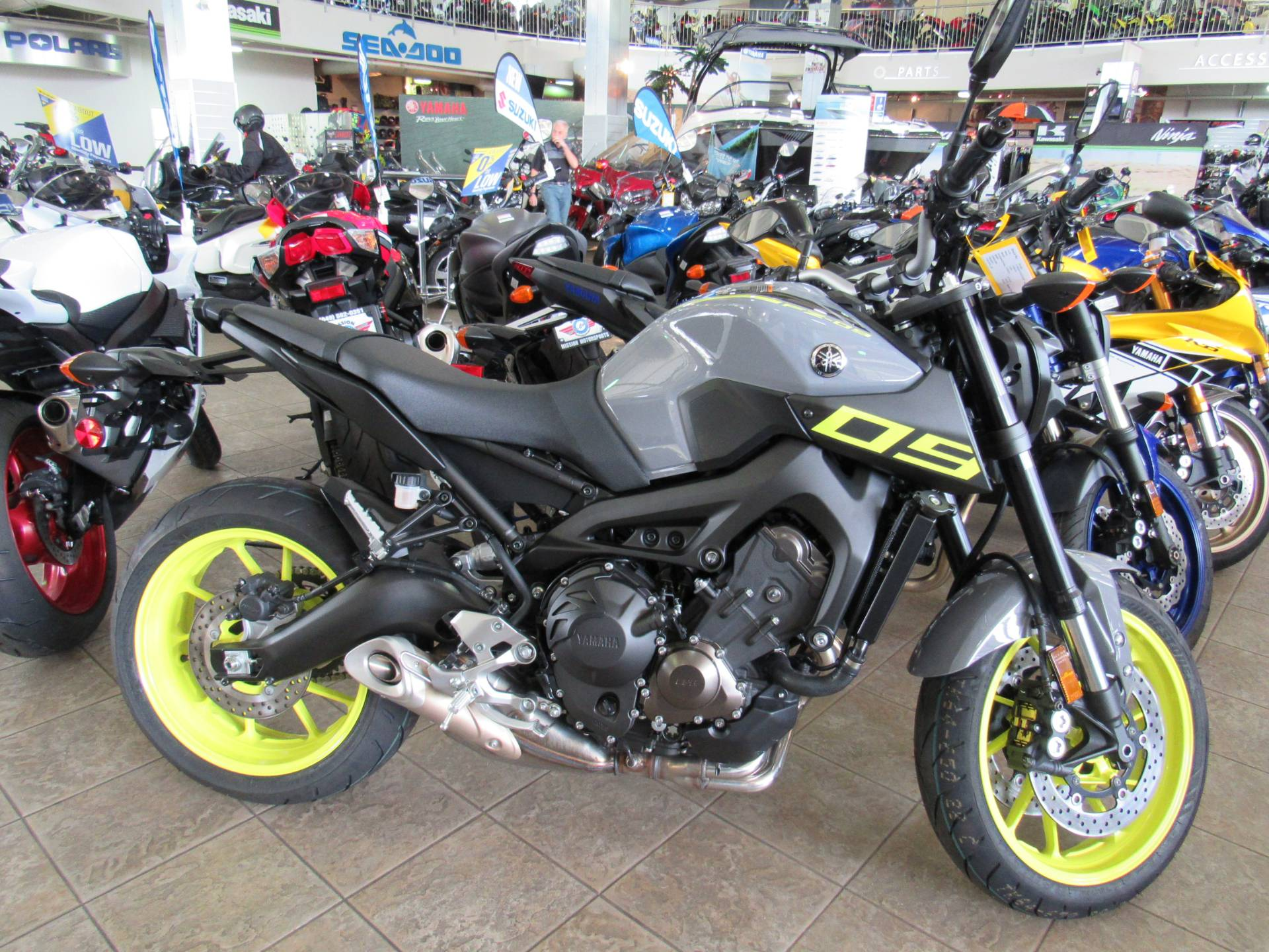 2016 Yamaha FZ-09 in Irvine, California