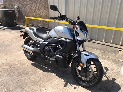 2016 Honda CTX700N in Pasadena, Texas