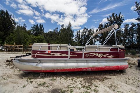 2013 Encore Boat Builders LLC 22 Bentley in Stuart, Florida