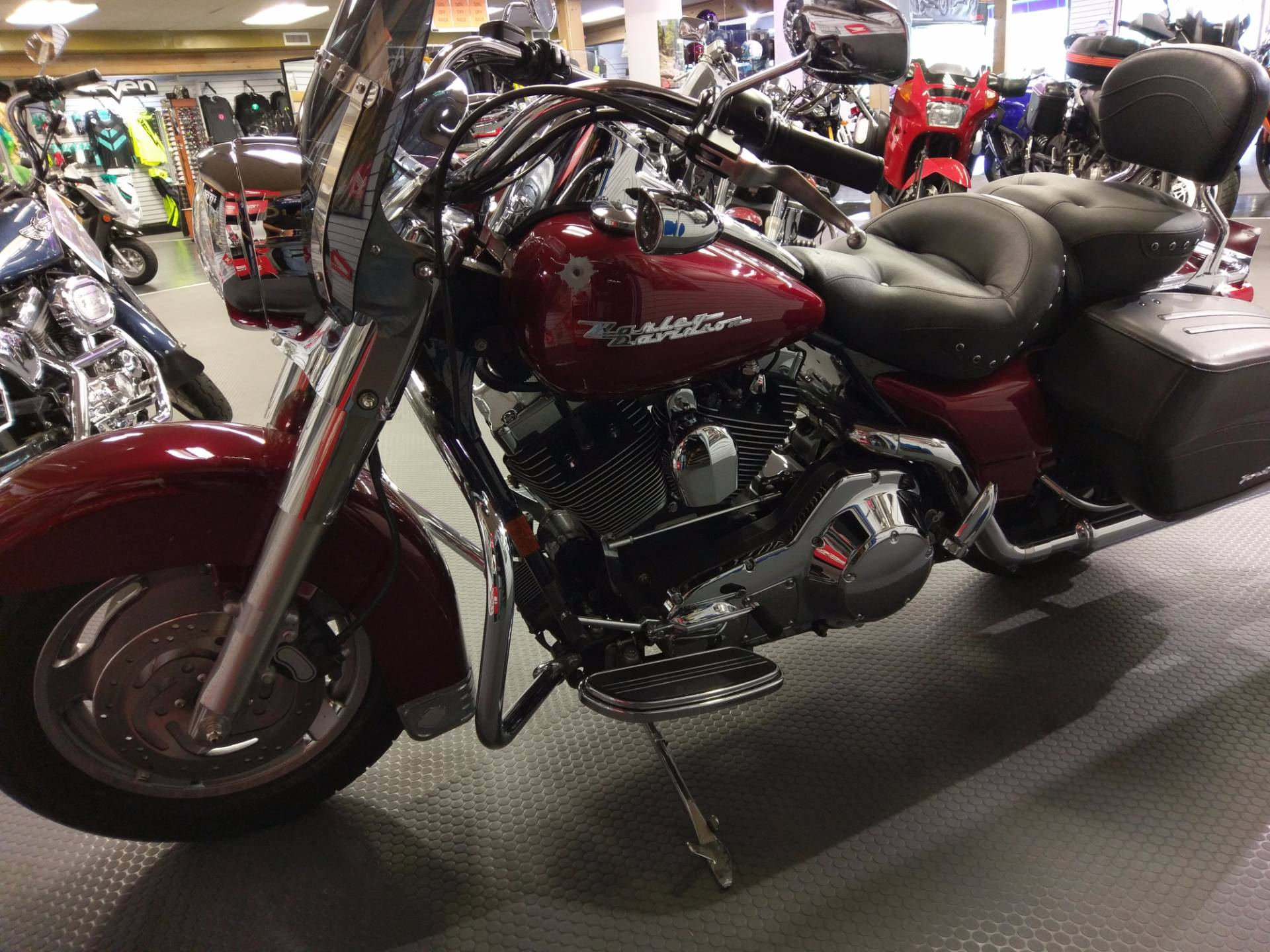 2005 Harley-Davidson FLHRS/FLHRSI Road King® Custom in Phillipston, Massachusetts