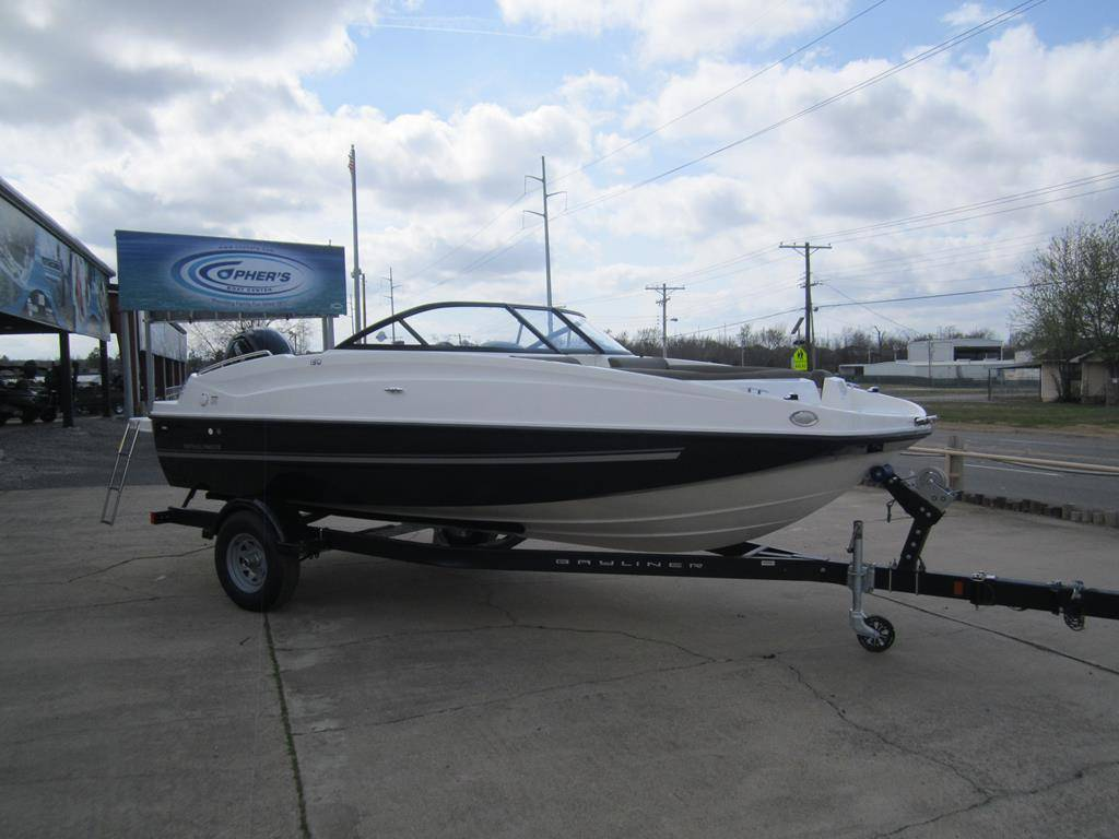 2017 Bayliner 190 Deck Boat in Fort Smith, Arkansas