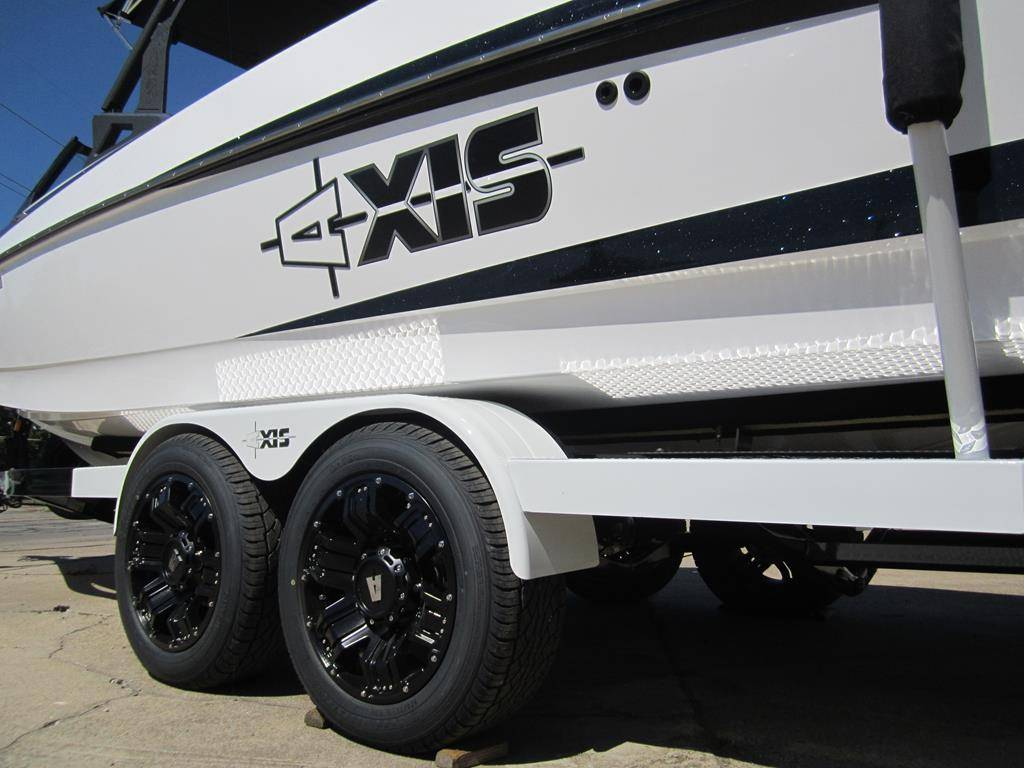 2017 Axis A24 in Fort Smith, Arkansas