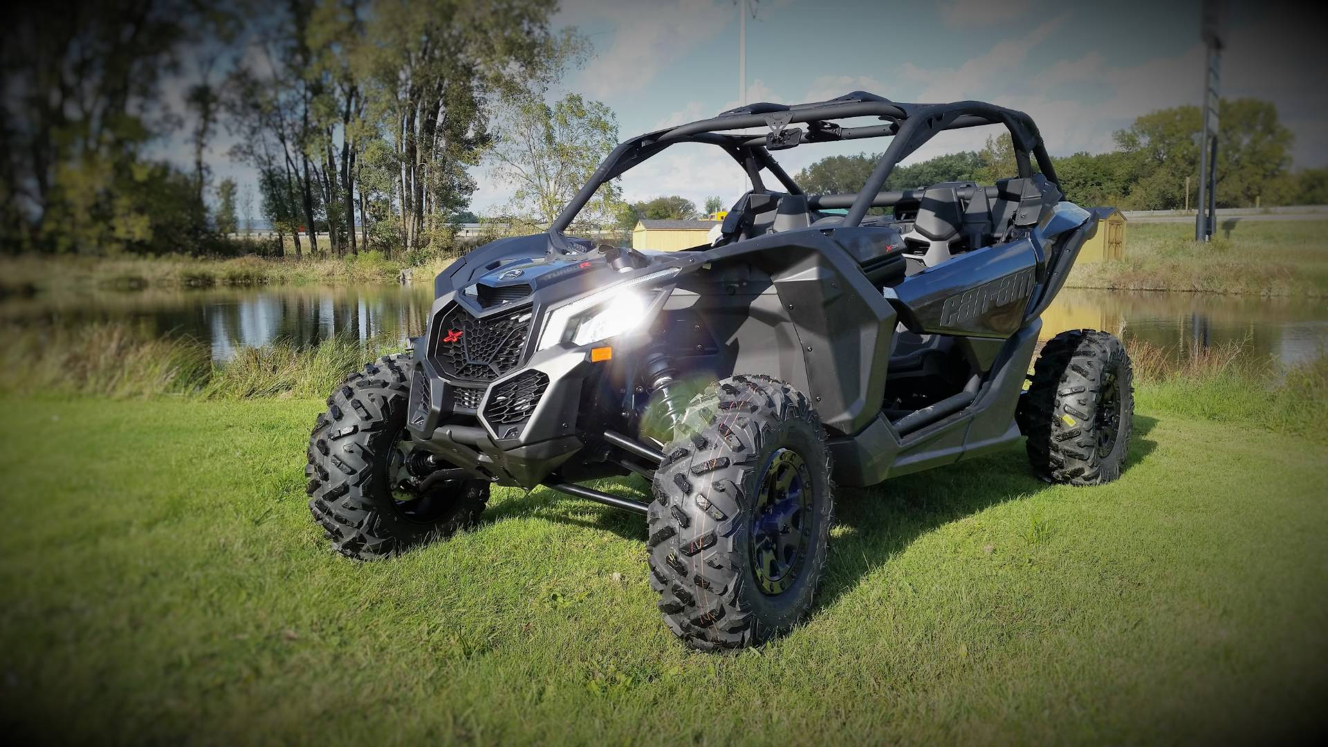 2017 Can-Am Maverick X3 X ds Turbo R in De Forest, Wisconsin