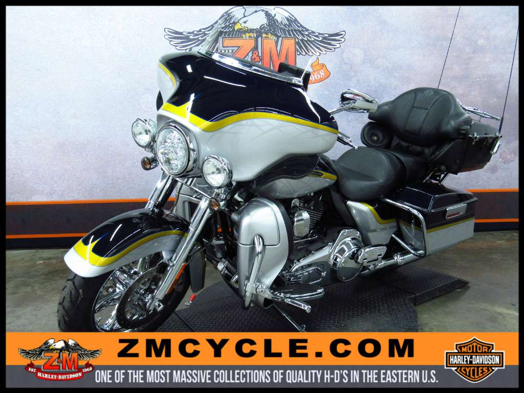 2012 Harley-Davidson CVO™ Ultra Classic® Electra Glide® in Greensburg, Pennsylvania