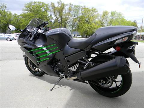 2015 Kawasaki Ninja® ZX™-14R ABS in Springfield, Massachusetts