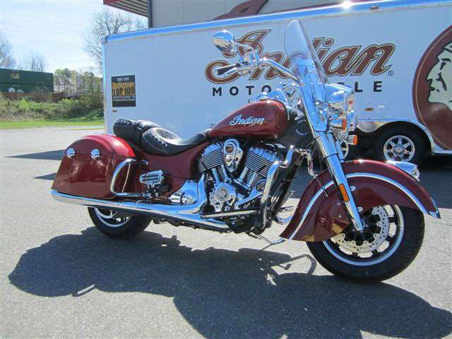 2017 Indian Springfield™ Indian Motorcycle® Red in Lowell, North Carolina