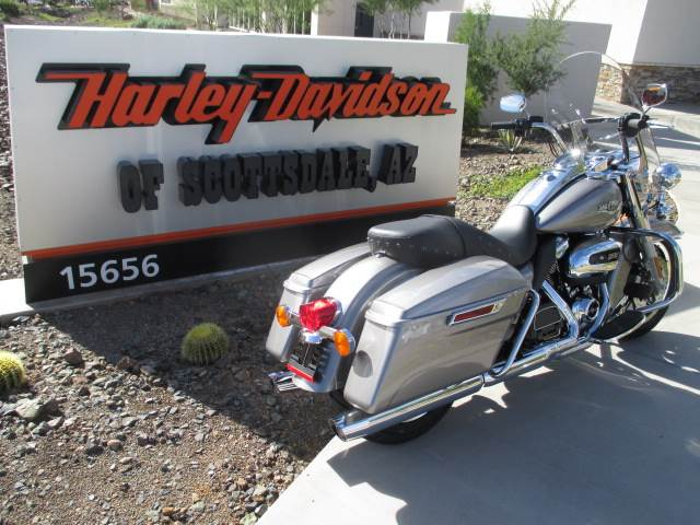 2017 Harley-Davidson Road King® in Scottsdale, Arizona