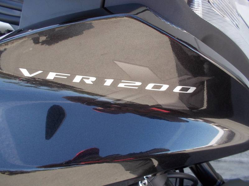 2016 Honda VFR1200X in Huntington Beach, California