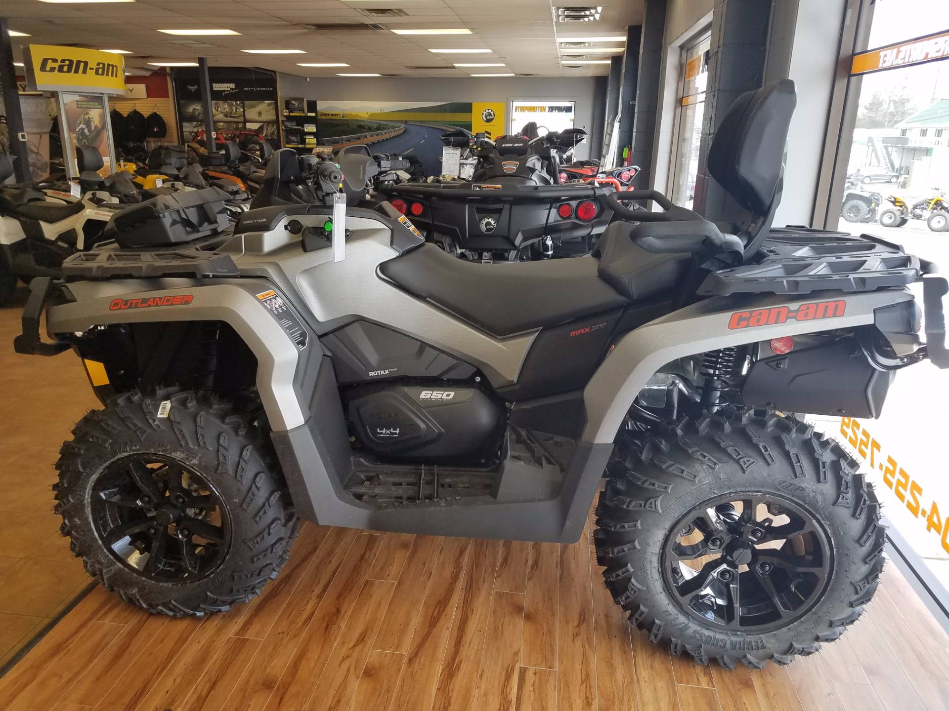 2017 Can-Am Outlander MAX XT 650 in Beckley, West Virginia