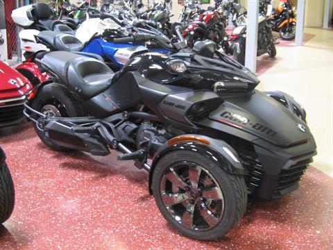 2016 Can-Am Spyder F3 Limited Special Series in Escondido, California