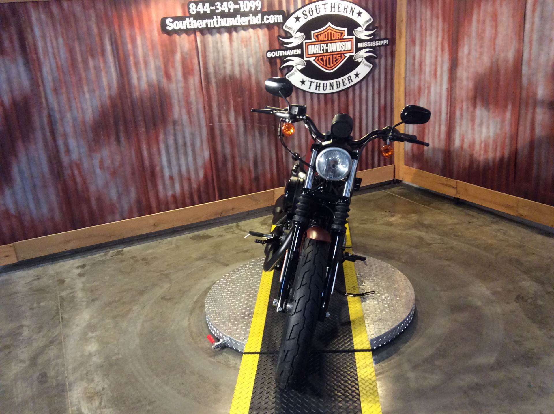 2017 Harley-Davidson Iron 883™ in Southaven, Mississippi