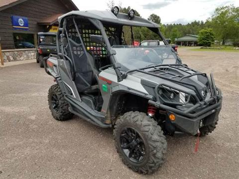 2015 Can-Am Commander™ XT™ 1000 in Land O Lakes, Wisconsin