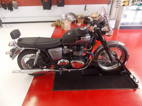 2012 Triumph Bonneville T100 in Saginaw, Texas