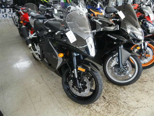 2015 Hyosung GT650R in Arlington Heights, Illinois