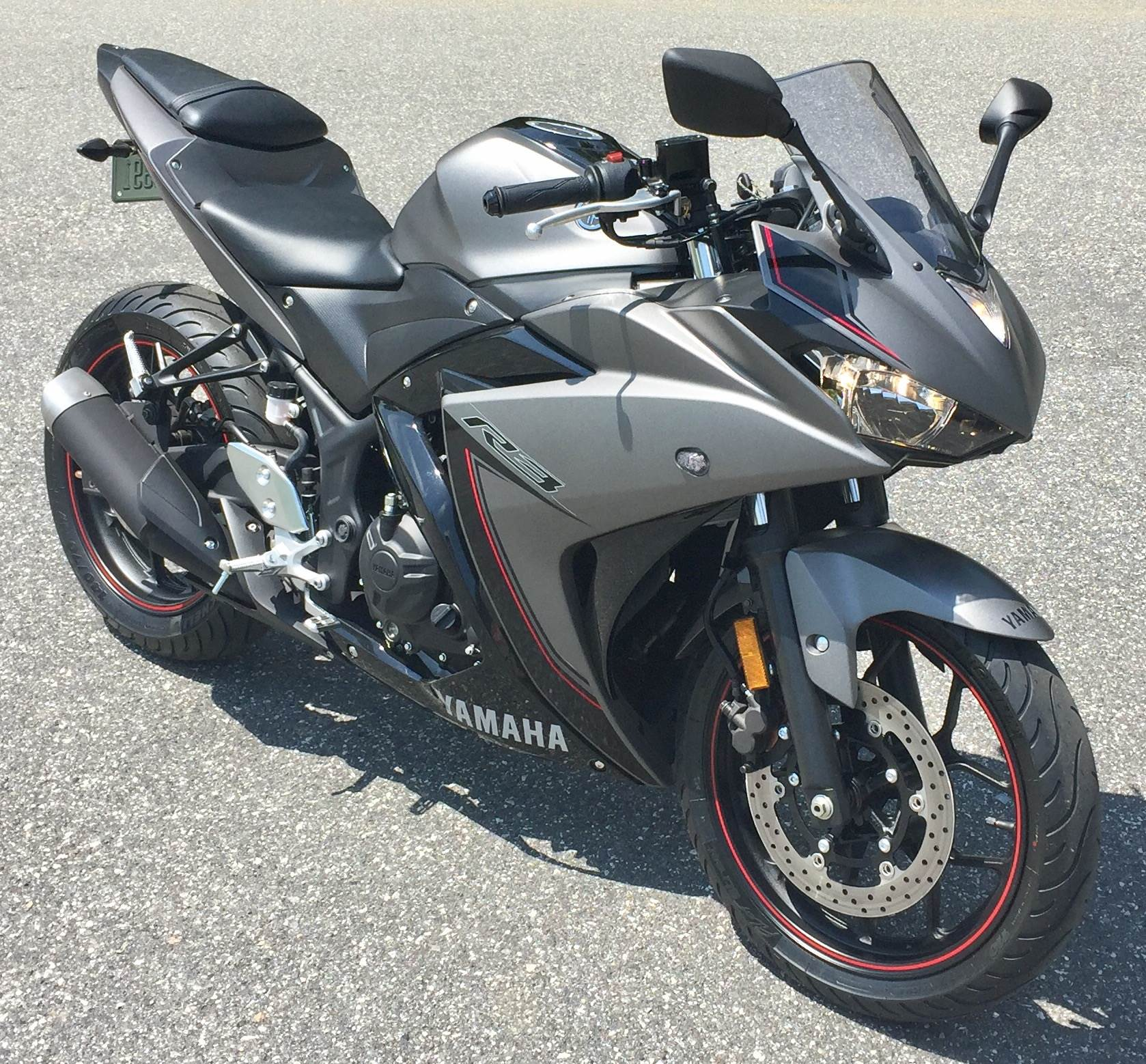 2016 Yamaha YZF-R3 in Lowell, North Carolina