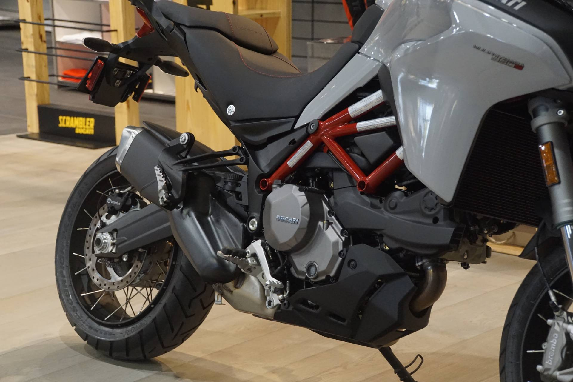 2020 Ducati Multistrada 950 S Spoked Wheel in Elk Grove, California - Photo 5