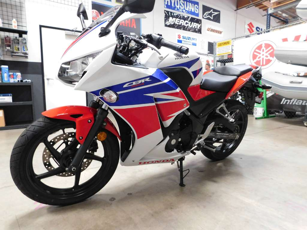 2015 Honda CBR®300RLF in Chula Vista, California