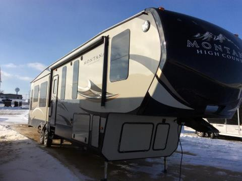 2016 Montana High Country 370BR in Kieler, Wisconsin