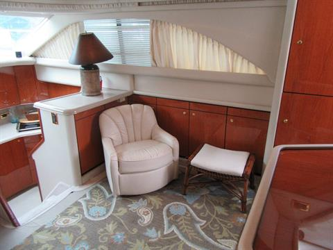2000 Sea Ray 380 Aft Cabin in Madisonville, Louisiana