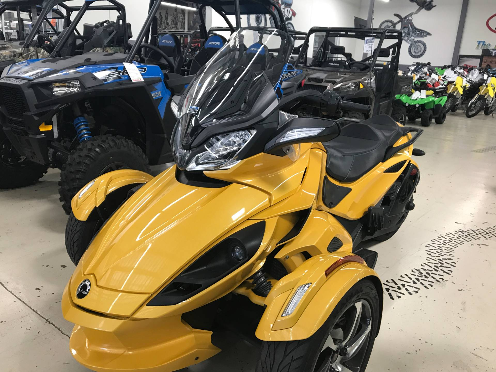 2014 Can-Am Spyder® ST-S SE5 in Corona, California
