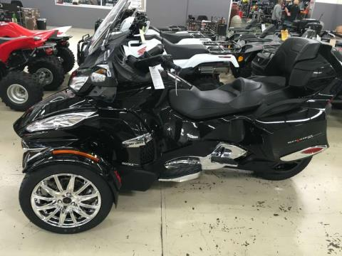 2016 Can-Am Spyder RT Limited in Corona, California