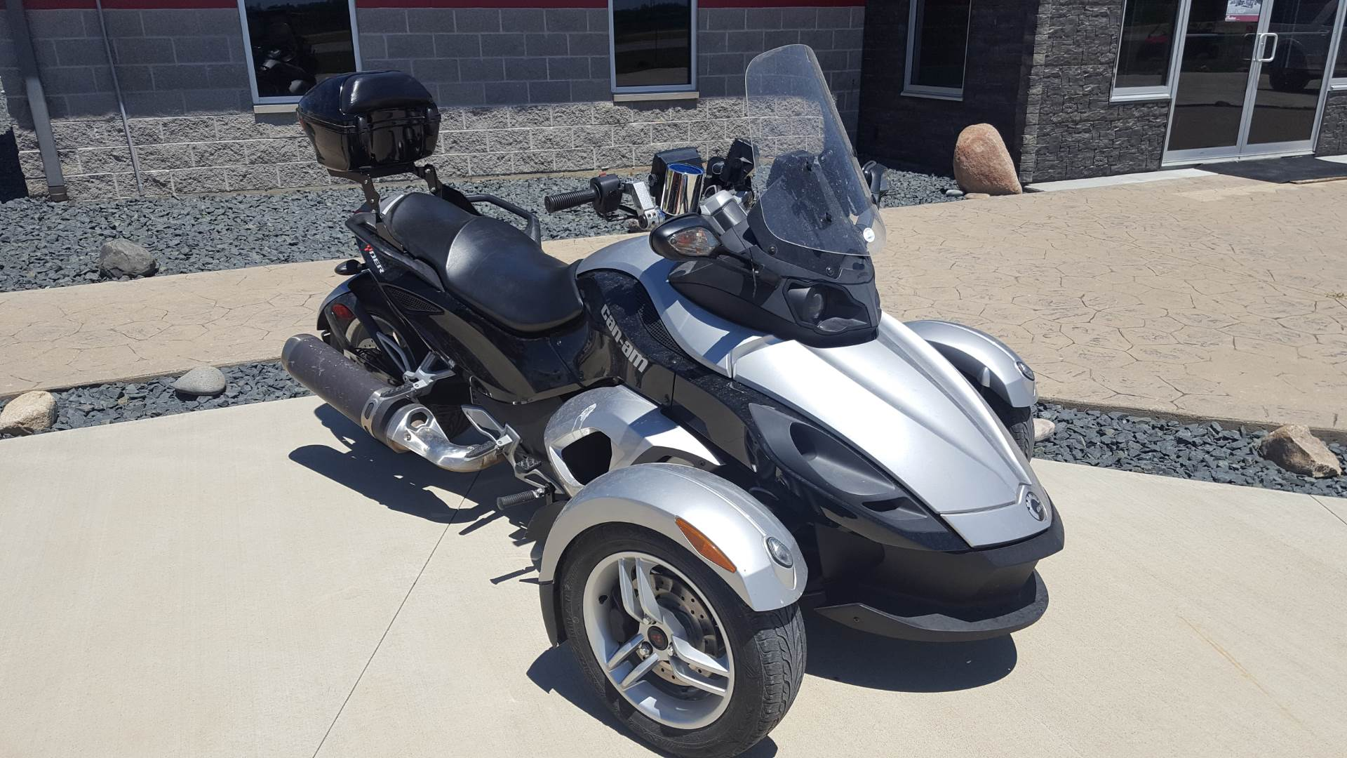 2009 Can-Am Spyder™ GS Roadster with SE5 Transmission (semi auto) in Ottumwa, Iowa