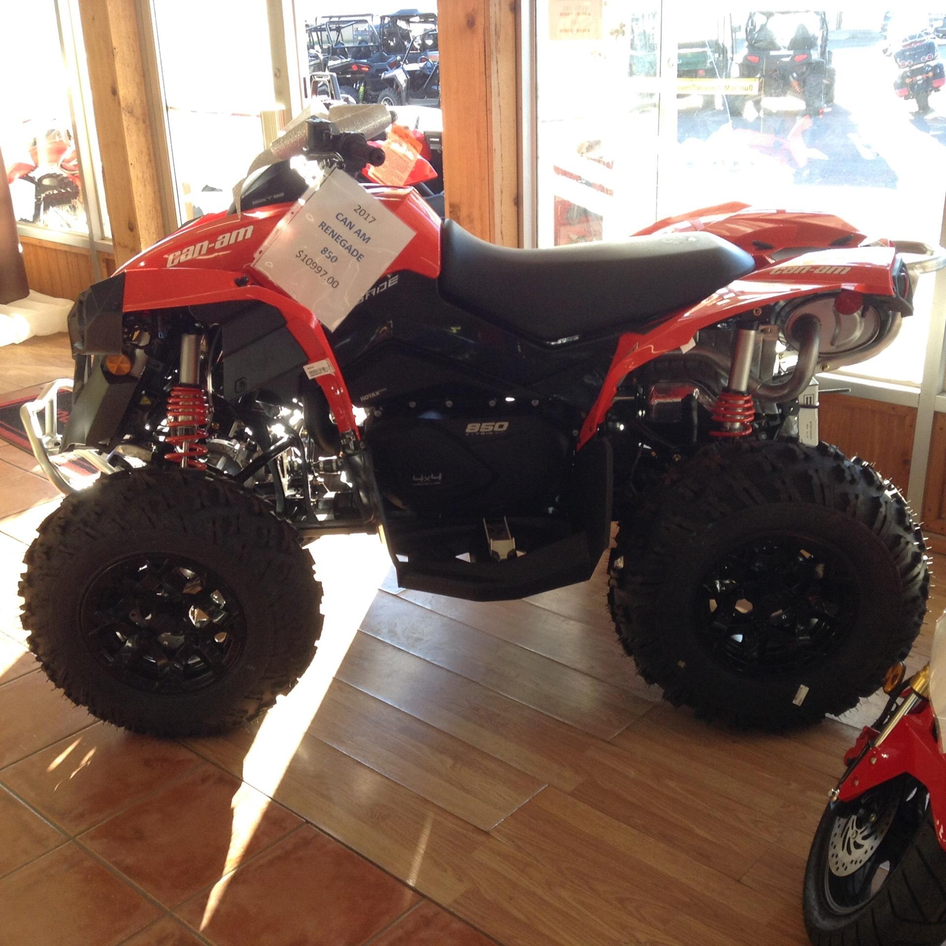 2017 Can-Am Renegade 850 in Clovis, New Mexico