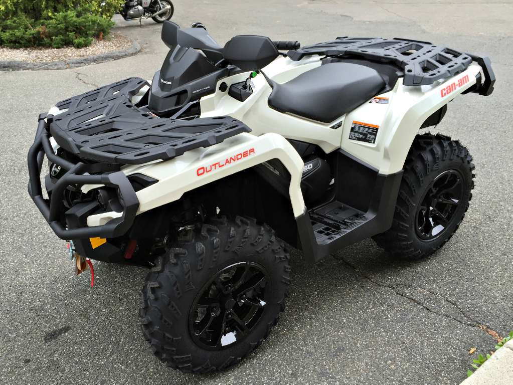2017 Can-Am Outlander XT 850 in Enfield, Connecticut