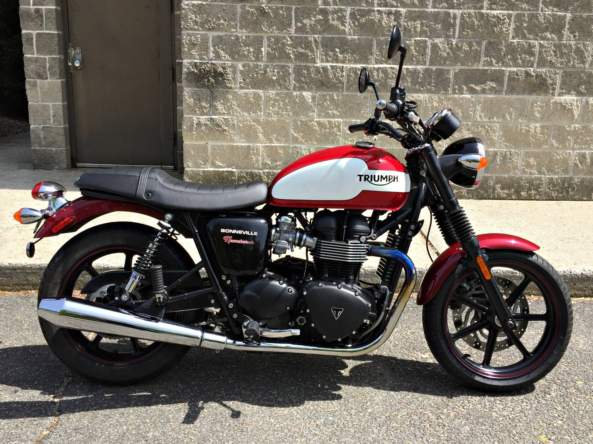 2015 Triumph Bonneville Newchurch in Enfield, Connecticut