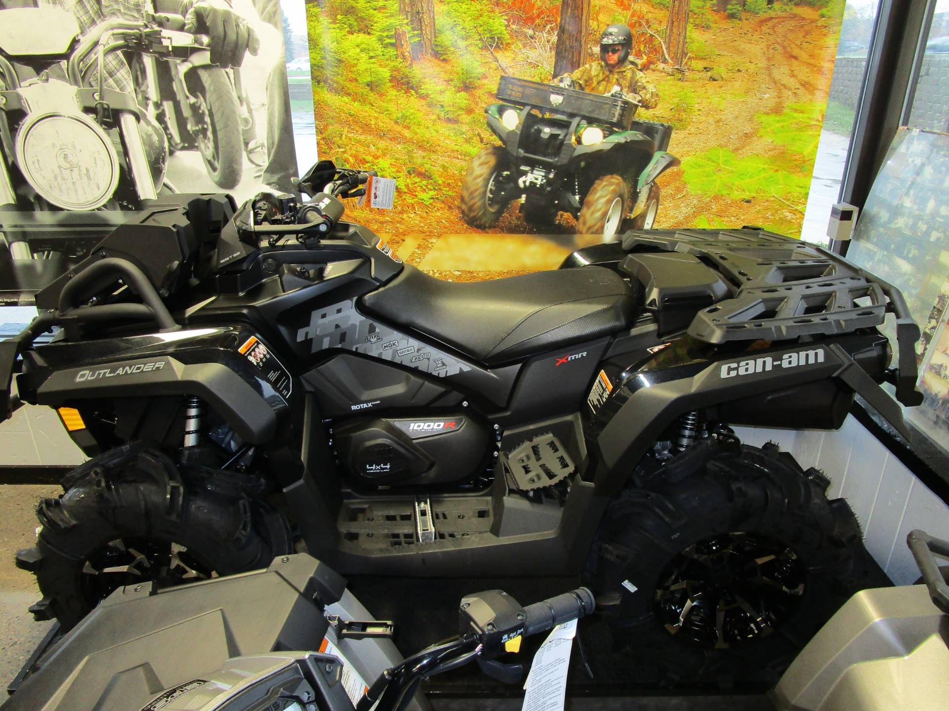 2017 Can-Am Outlander X mr 1000R in Brookfield, Wisconsin