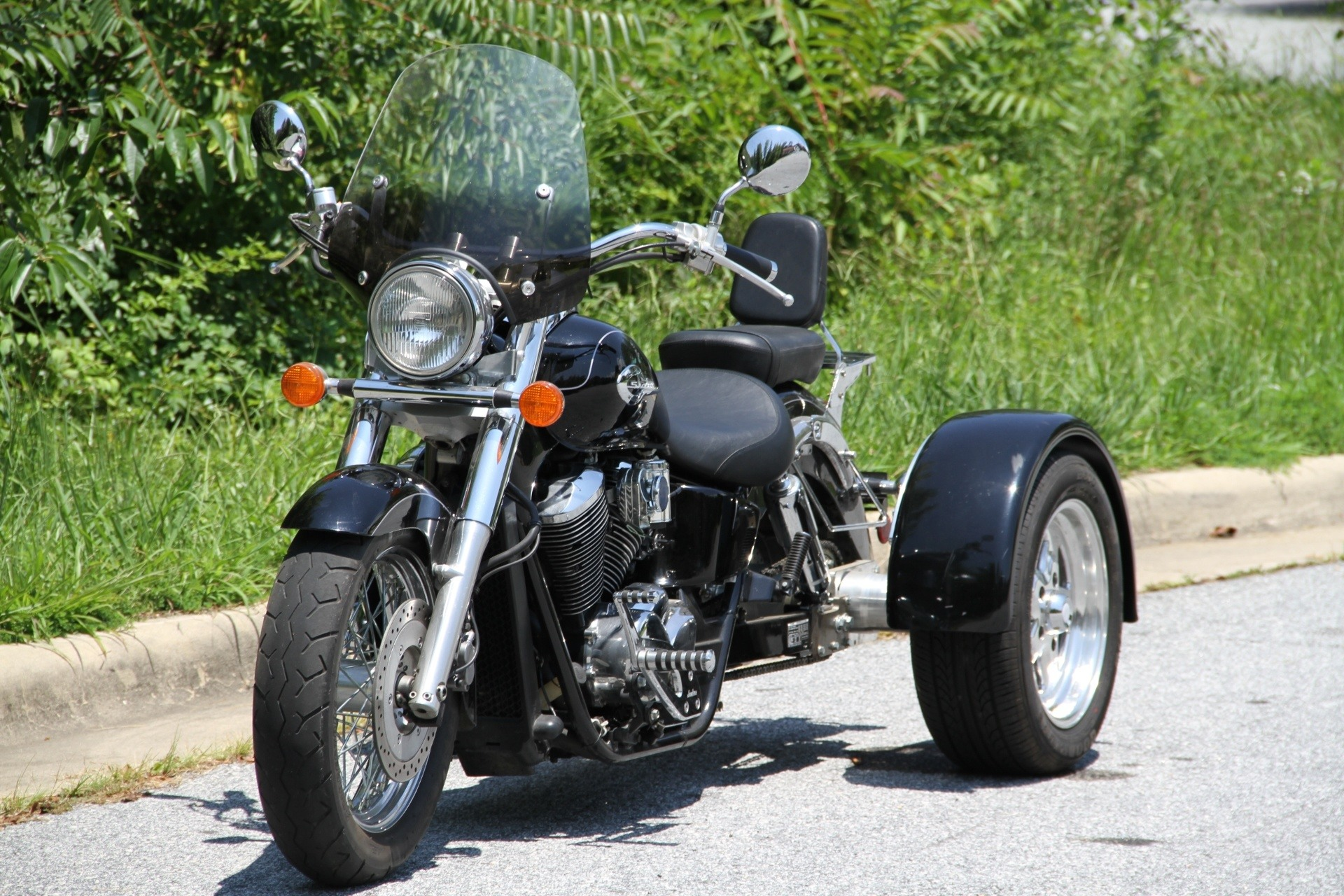 2002 Honda Shadow Ace 750 Deluxe in Hendersonville, North Carolina