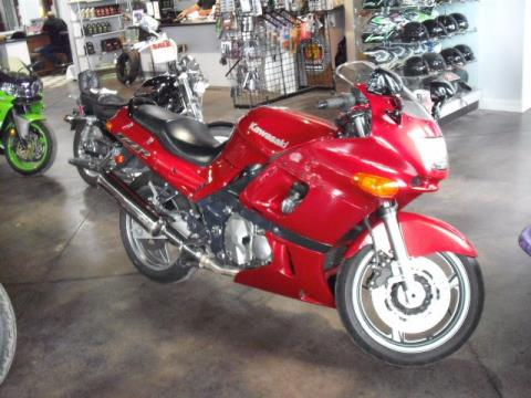 2004 Kawasaki ZZR®600 in Highland, Illinois